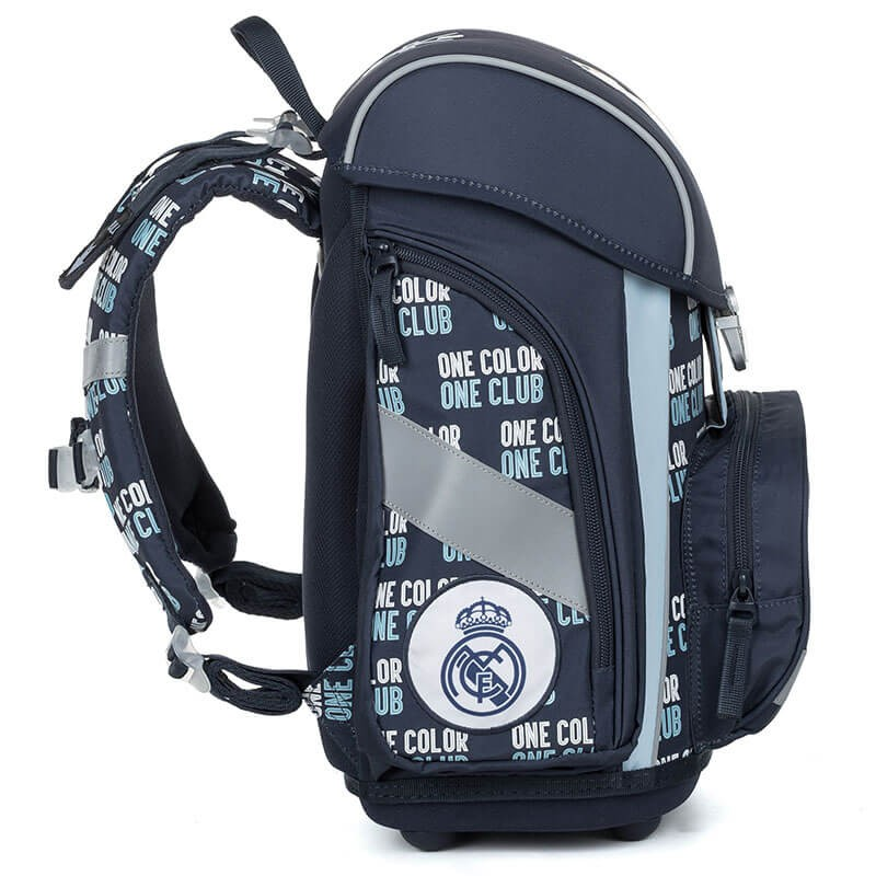 a53307233ea2 ... Premium Real Madrid iskolatáska SZETT + fényvisszaverő függő és  szállítás ingyén ...